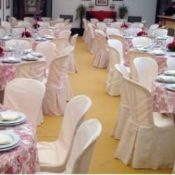 Promoción de 100 sillas y 100 fundas de sillas con regalo de 100 vasos sidra